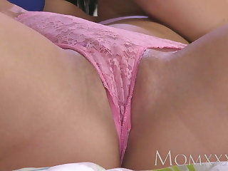 MOM Freckled Milf beauty shows young lesbian way to orgasm