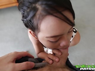 Ample breasted Thai hooker Wa serves one foreigner at the highest level
