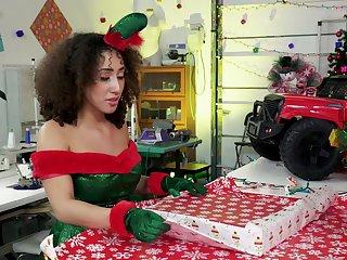 Amateur babes share a big dick on Christmas eve