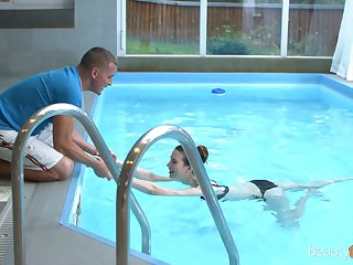 Svelte Russian GF with small tits Sunny Honey is fucked in the pool