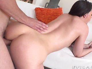 Slender chick with big booty Whitney Wright gets her anal hole gaped