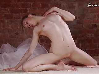 Natural tits Russian model Ksyuha Zavituha loves to dance naked