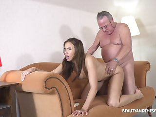 Old man pumps fresh pussy and reaches orgasm in minutes